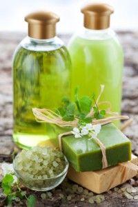 privilegier-les-produits-naturels-pour-les-cheveux-défrisés